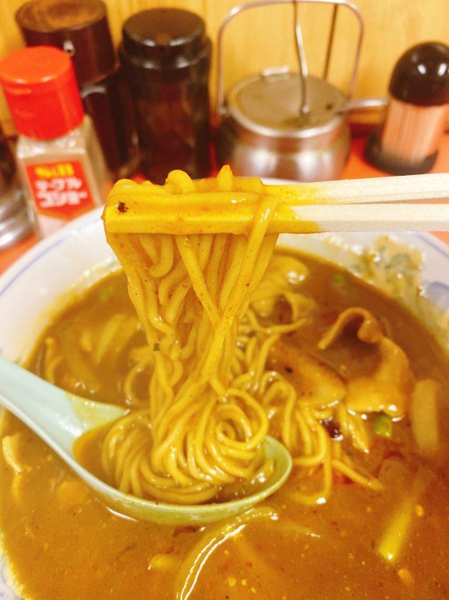 一回で3度美味しい 田町の中華料理「大元」の咖喱麺(ガーリーメン)